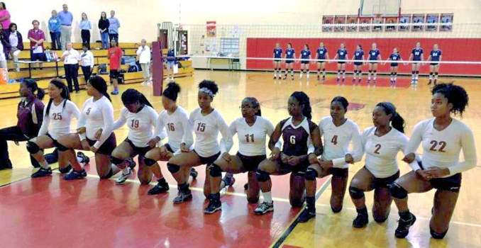 Tindley Accelerated School volleyball team kneels in protest, Oct 1.