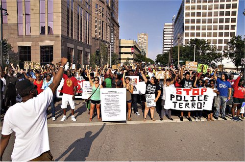 August 2014, Milwaukee protest in solidarity with the Ferguson, Mo., rebellion and demanding justice for Dontre Hamilton.Photo: Joe Brusky