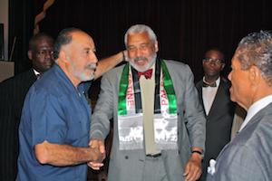 Rev. Graylan Hagler, center. Photo: jewishvoiceforpeace.org