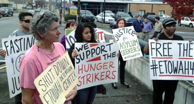 Protesters rally in solidarity with hunger-strikers on Nov. 30 at Alabama's Etowah County Detention Center, where immigrants are imprisoned.Photo: William Thornton