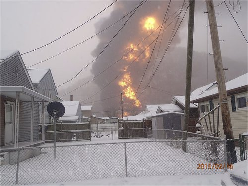 Fireball from oil train drove 1,000 people from their homes.