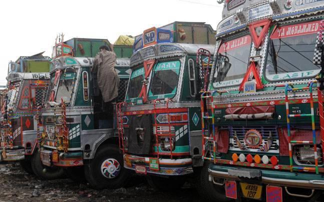 Photo of टोल खत्म न होने पर ट्रक ऑपरेटर 20 जुलाई से हड़ताल पर