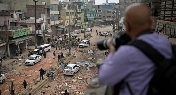 photo journalist at delhi riots/ AP