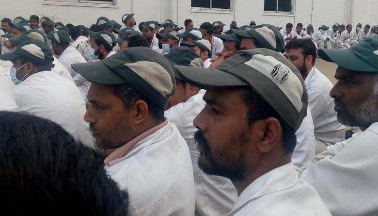Photo of होंडा मानेसर से 500 ठेका मज़दूरों की छुट्टी, विरोध में मज़दूर कंपनी गेट पर बैठे