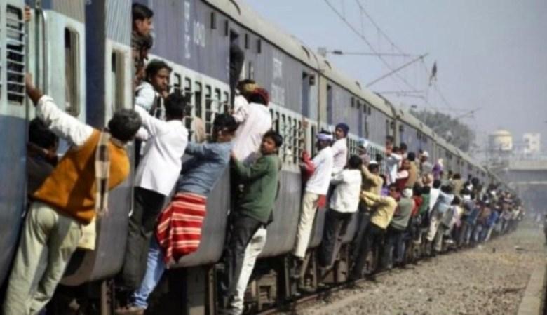 Photo of मजदूरों की मौत की खबर पर तिलमिला क्यों गया रेलवे