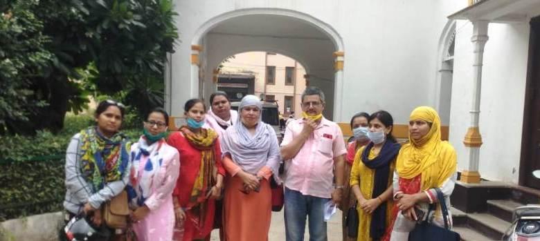 Photo of वूमेन हेल्पलाइन के कर्मचारियों को मिली राहत, नौकरी से न निकालने का निर्देश