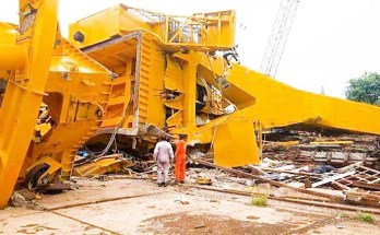 hindustan shipyard crane accident