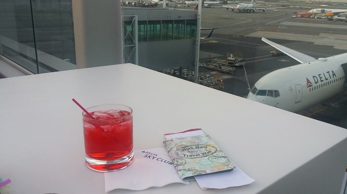 Airport lounges aren't just for first class passengers. Check out the ways to obtain discounted airport lounge access.