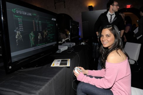 capcom-lost-planet-2-launch-party-olivia-munn-gaming
