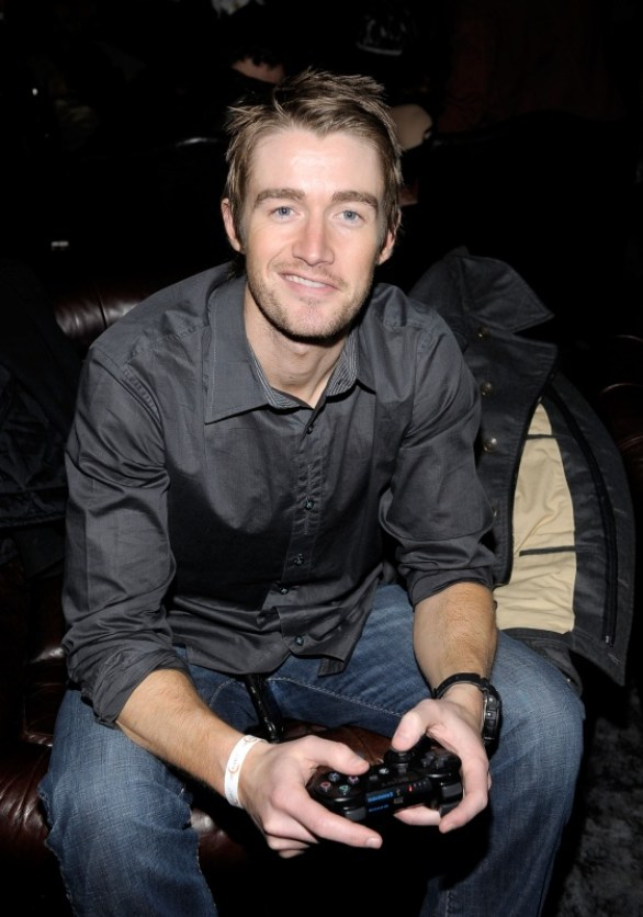 capcom-lost-planet-2-launch-party-robert-buckley-gaming
