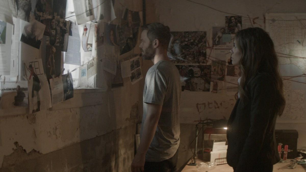 Shawn Ashmore and Daniella Alonso in Darkness Falls (2020).