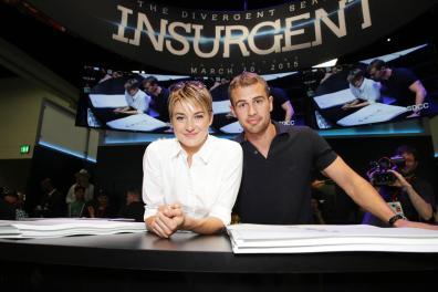 insurgent-2015-comic-con-signing (5)