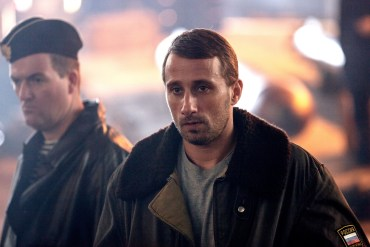 Matthias Schoenaerts in The Command (2019).