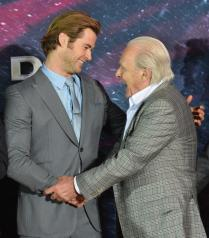 "Marvel's ""Thor: The Dark World"" Premiere - Red Carpet"