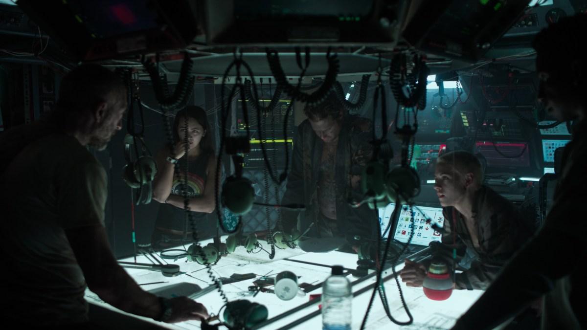 Underwater (2020) cast
