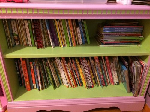My daughter's bedroom bookshelf (after).