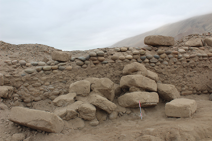 Remains of cobblestone walls at Tambo Viejo