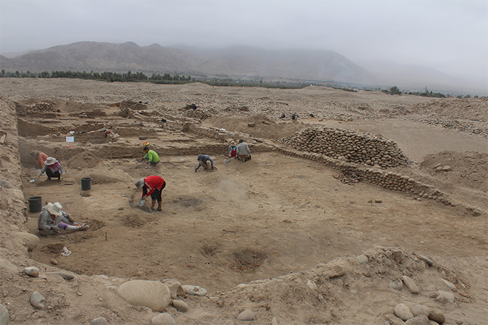 Archaeologists excavating at Tambo Viejo