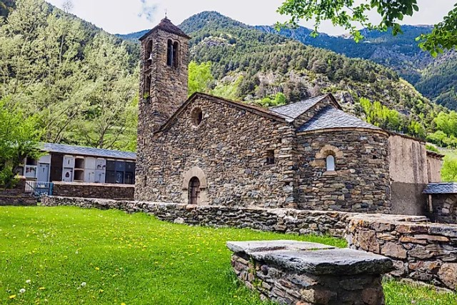#6 Andorra - 468 sq km