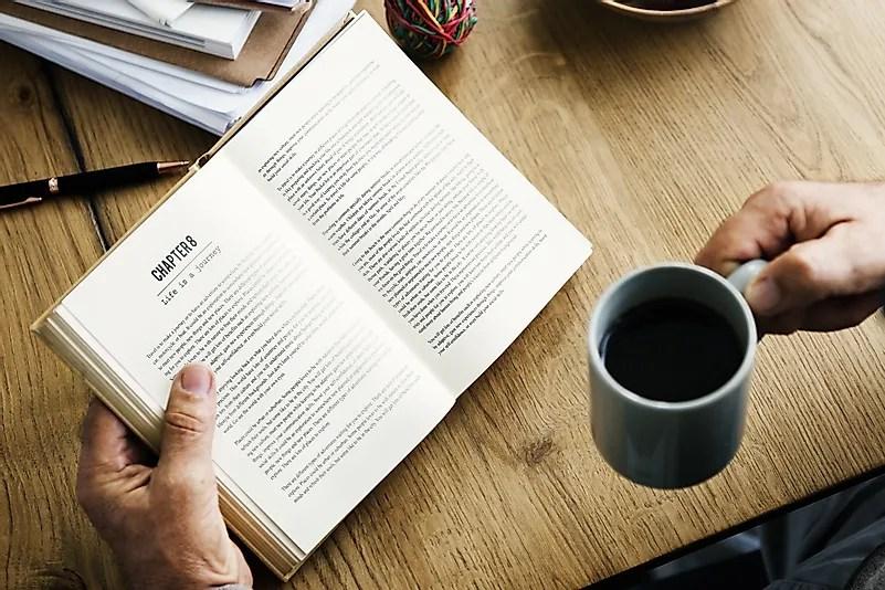A leitura é uma das maneiras mais populares de relaxar.  Crédito da imagem: Rawpixel Ltd / Flickr.com