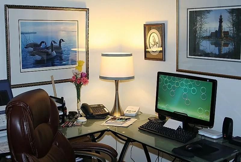 Decore sua área de trabalho para criar o ambiente certo para o trabalho. Crédito da imagem: JamesDeMers por Pixabay