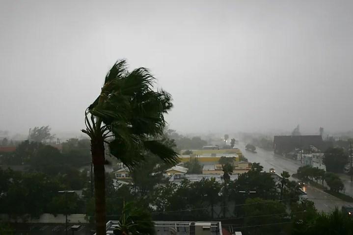 O furacão Katrina foi um ciclone tropical mortal que causou danos e morte na parte sudeste dos Estados Unidos.