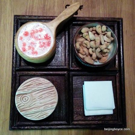 2015-comfort-foods-beijing-china-cocktails-at-en-vain-baijiu-bar