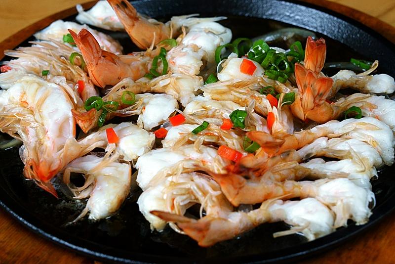 world baijiu day 2018 sumiao kitchen baijiu sizzling shrimp 1