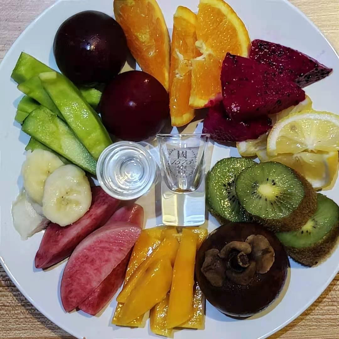 luzhou-laojiao-fruit-platter