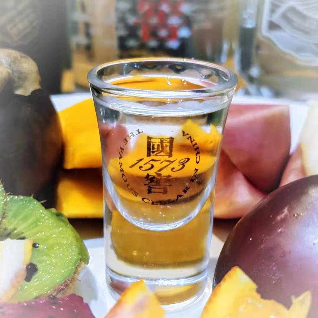 world-baijiu-day-luzhou-laojiao-1573-fruit-pairing