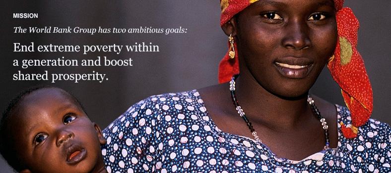 Portrait of mother and child. Mali. Photo: © Curt Carnemark / World Bank
