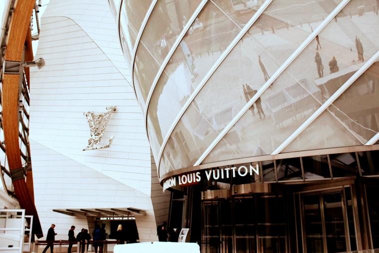 Foundation Louis Vuitton entrance