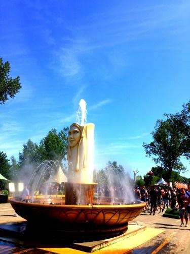 Fontanna w miasteczku, Tomorrowland