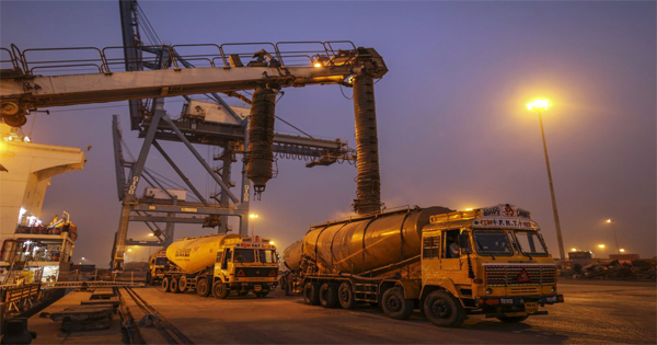 Crumbling demand dogs India's biggest cement maker ...