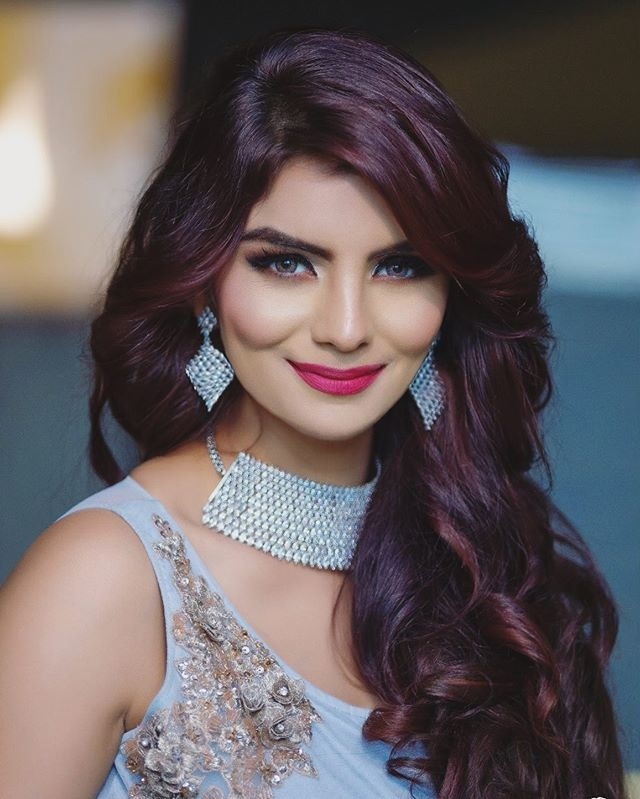 Most Gorgeous Women Anveshi Jain Picture | Download Photos