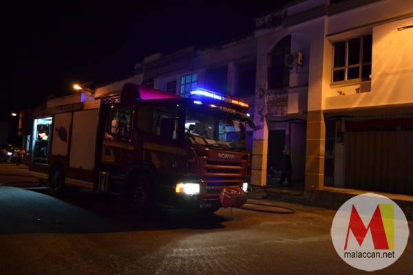taman-merdeka-jaya-shop-lot-fire-disaster-DSC_06231