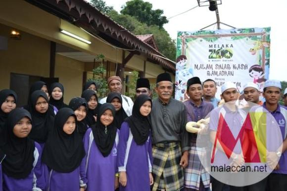 melaka-zoo-night-safari-celebrates-ramadhan-with-orphana-3