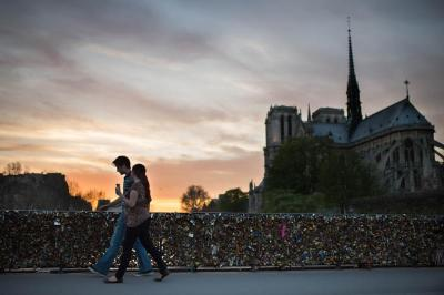 The Notre-Dame Cathedral is another sitewhere tourists are suggested to be on a warning for pickpockets and other pettycriminals.