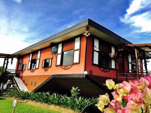 Kota Kinabalu Upside Down House Image