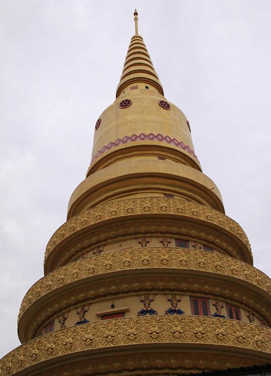 wat-chayamangkalaram-thai-buddhist-temple-11