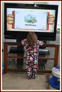 World Mom, Mom Photographer's daughter watching TV