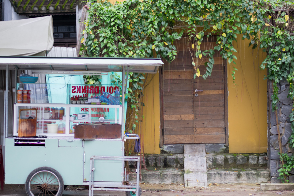 Hoi An food cart