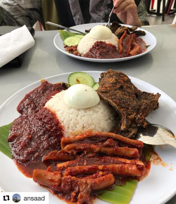 [Test] Lemak, Spice, & Everything Nice: 6 Delicious Nasi Lemak Spots in Klang Valley For M'sian Foodies - WORLD OF BUZZ 1