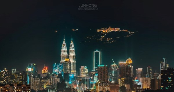 [Test] Remember This Viral Shot of KL & Genting? Here Are 5 Night Photography Tips to Recreate It - WORLD OF BUZZ 10