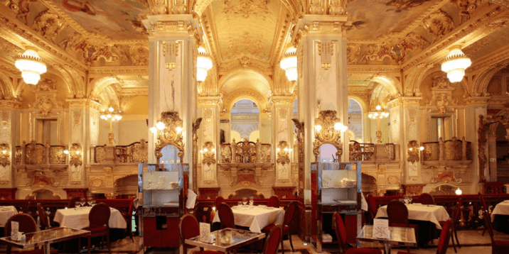 layover in budapest-the-new-york-cafe