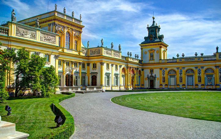 entrance-to-wilanow-palace--warsaw-jon-berghoff