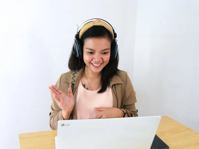 ESL Teacher Whose Learned How To Teach English As A Second Languagehow To Teach English