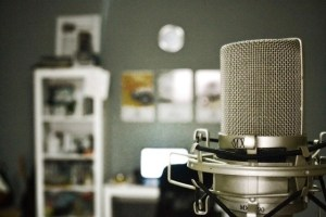 Voice Over Acting Microphone With Home Office In The Background For Taking Voice Acting Classes