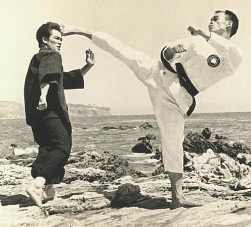 Jhoon Rhee kicks Bruce Lee