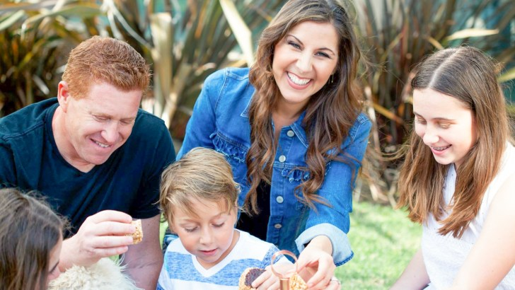 How to Be an Awesome Vegan Mom to Your Non-Vegan Family